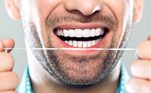 dca-blog_daily-flossing-and-other-tips-for-defeating-bad-breath